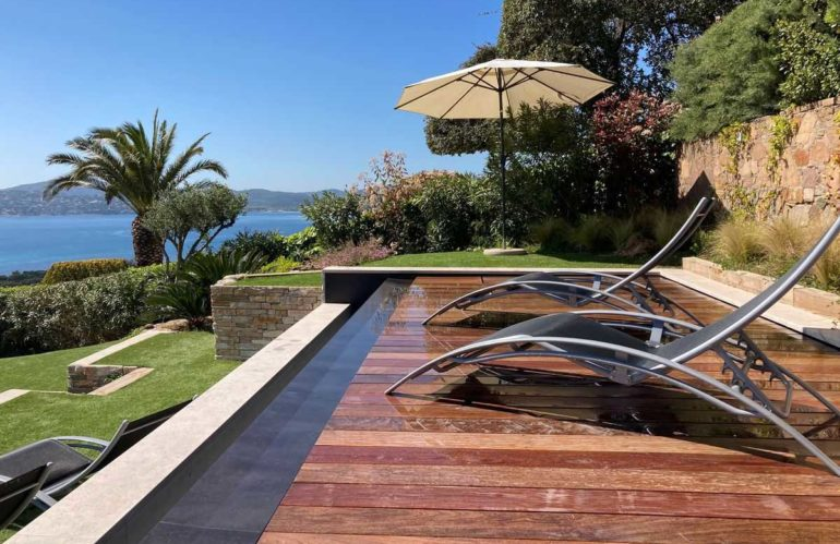 Une piscine et un fond mobile sans formalité administrative, c'est possible !